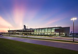 XNA offers direct flights to several airports throughout the country, including Houston, Dallas, Denver, Vegas, LA, San Francisco, Minneapolis, Chicago, Destin, Orlando, Atlanta, New York and More