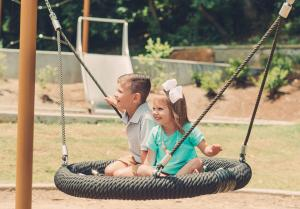 Bring the family to Lake Atalanta to have fun outside, enjoy a picnic, or let the kids play on the playground
