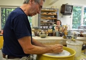 Van Hollow Pottery offers pottery classes and beautiful handmade stoneware including large ceramic works, bistro cups, serving bowls, sculpted vases and other works of art and functionality.