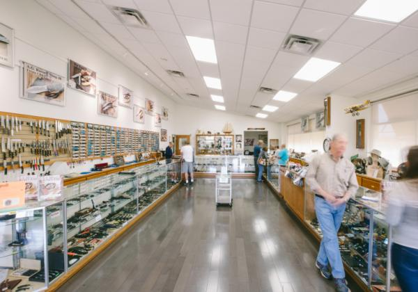 A.G. Russell Knives in Rogers AR - A.G. Russell Knives is located off of I-49 in Rogers AR.