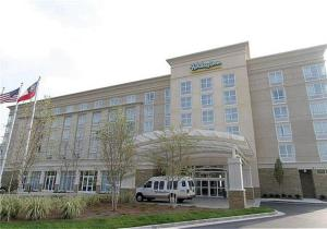 Holiday Inn & Suites in Rogers AR - Holiday Inn & Suites is located close to a variety of restaurants and stores. Perfect hotel for business trips or leisure, with free WIFI and meeting spaces.