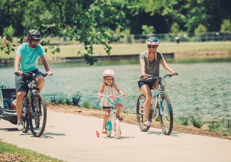 Explore Rogers AR by taking your family on a bike ride at Lake Atalanta. It's close to downtown, has a great trail for all ages, and a beautiful view of the lake.