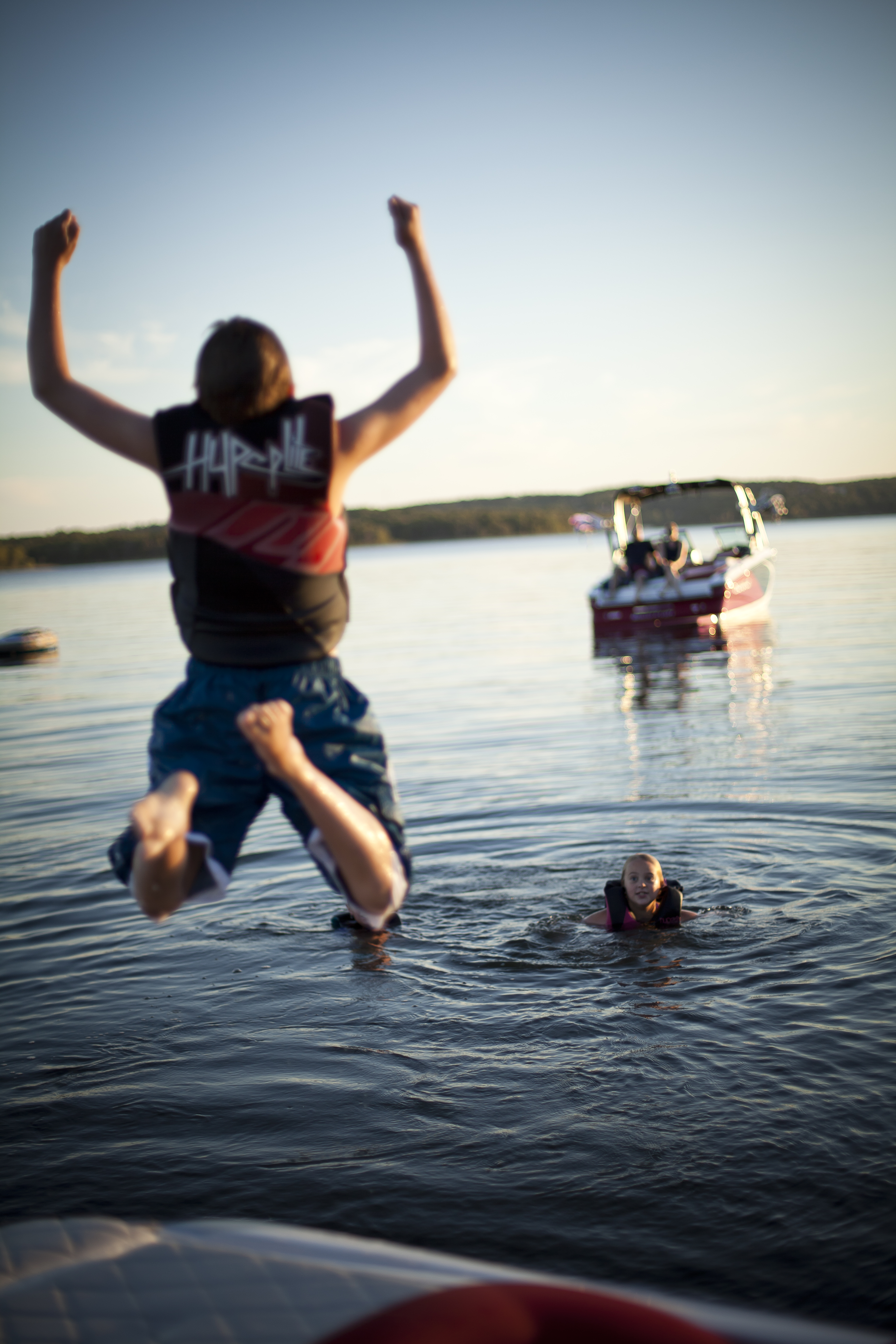 Beaver Lake Kids Jumping off back of Boat (3)