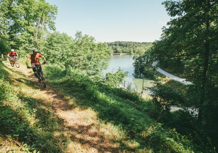 Lake Atalanta features miles of biking and cycling trails, from paved trails along the lake to mountain biking trails through the woods