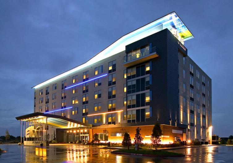 The Aloft Hotel is in an unbeatable location, with great ratings and amenities